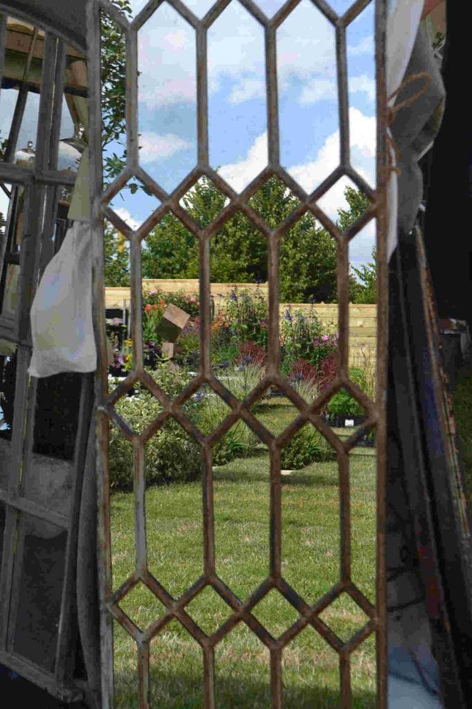 Garden Mirrors for Children Kidsinthegarden