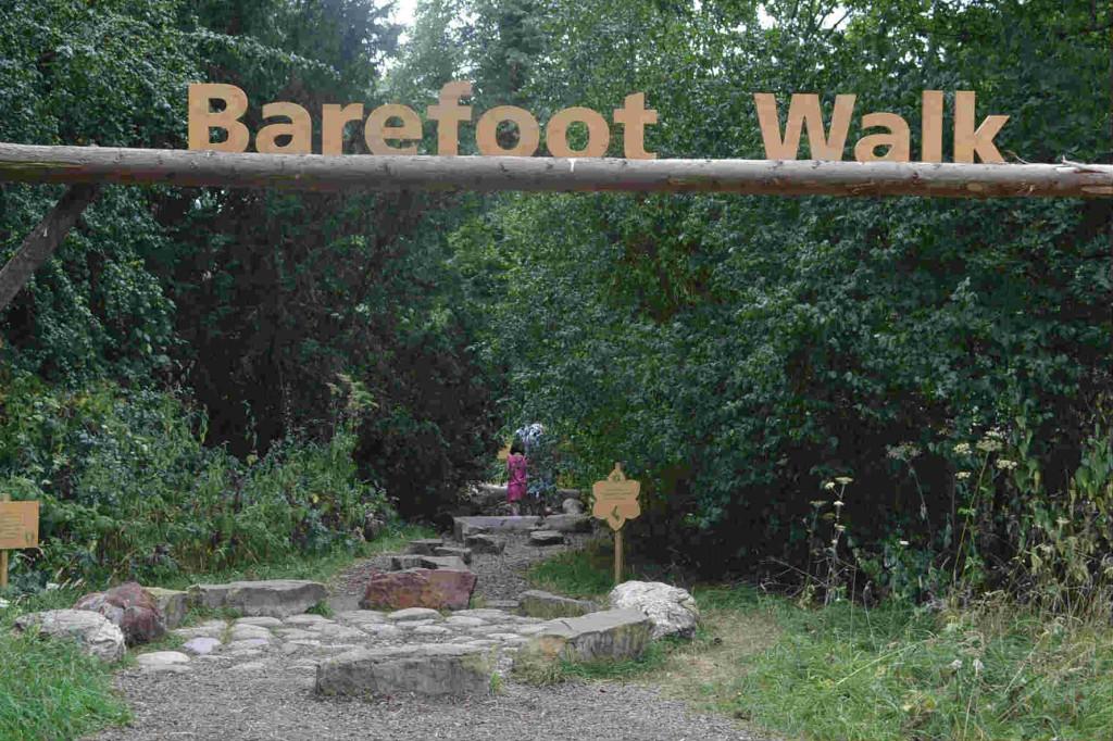 barefoot walk Kew gardens